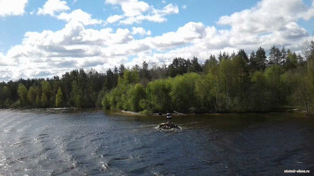Как же выбрать теплоход для путешествия по рекам и озерам России?